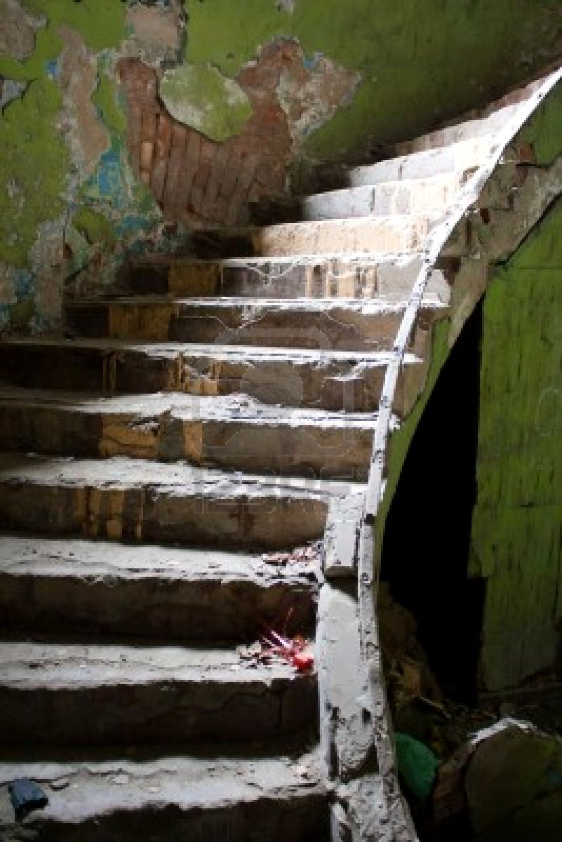 9233583-old-broken-staircase-in-the-abandoned-house ...