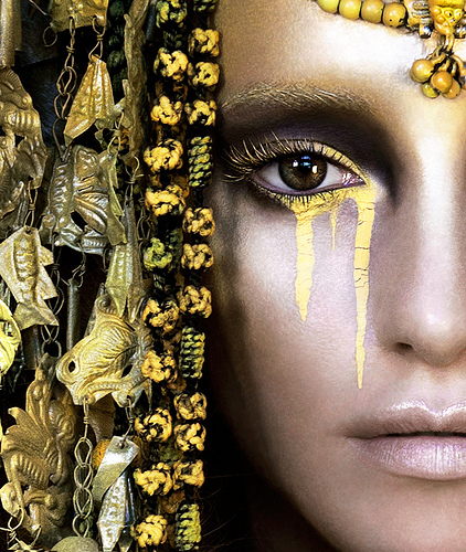 Closeup-Kirsty-Mitchell-Wonderland-Gaia-The-Birth-of-an-End