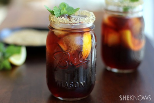 Spiked-southern-sweet-tea-with-lemon-watermark