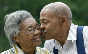 elderly-couple-remarry-48-years-after-divorce-lena-henderson-and-roland-davis