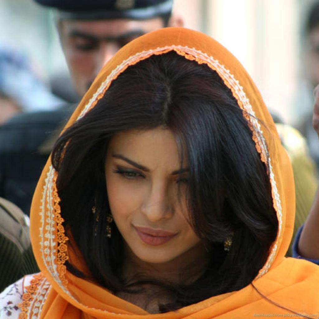 Фото армянских девушек с флагом