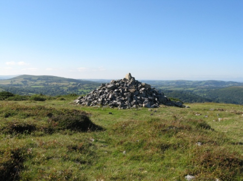 BlackHillCairn4West
