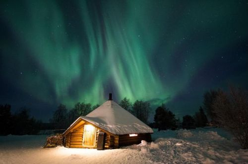 0_arctic-snowhotel-glass-igloos-finland-kota-building