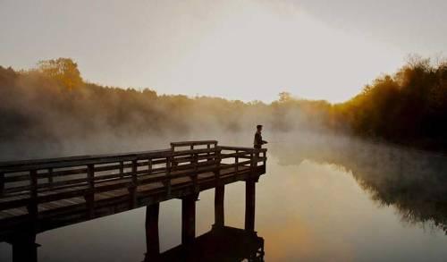 lake-frederick-trilogy-man-fishing